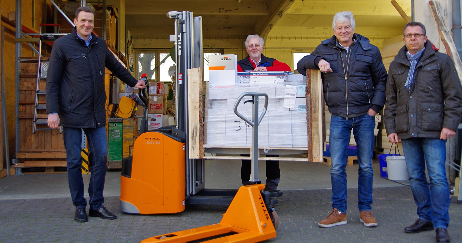 STILL-Hochhubwagen hilft Kindern in Not