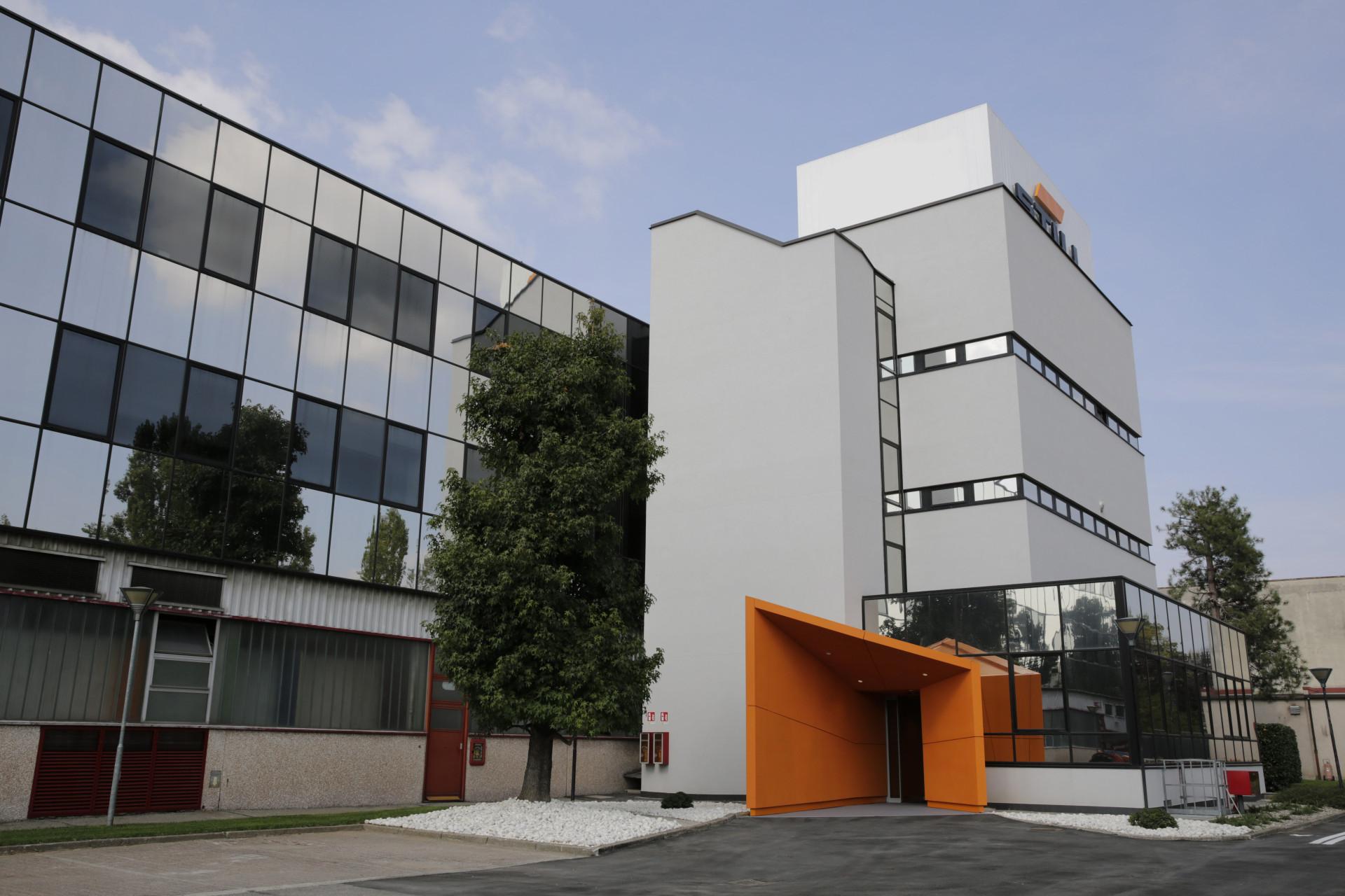 STILL - Sede Centrale / Filiale Lombardia / ReQuality Center