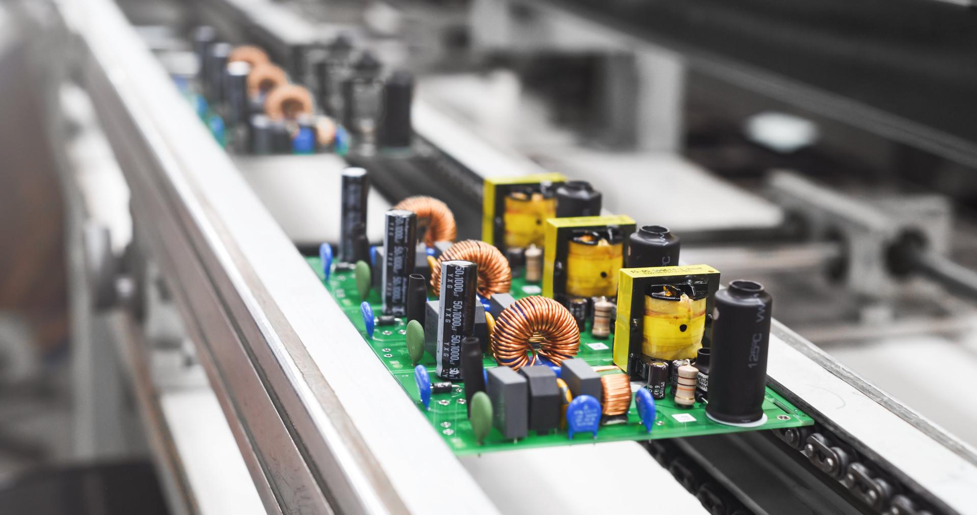 le industrie elettroniche dipendono dall'affidabilità delle soluzioni logistiche