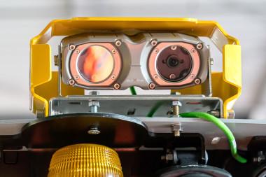 Kamerasystem für Stapler: Sicherheitssystem verhindert Unfälle zwischen Personen und Gabelstaplern beim Rückwärtsfahren.