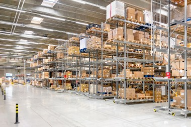 More power for Danfoss: AI-assisted automatic warehouse