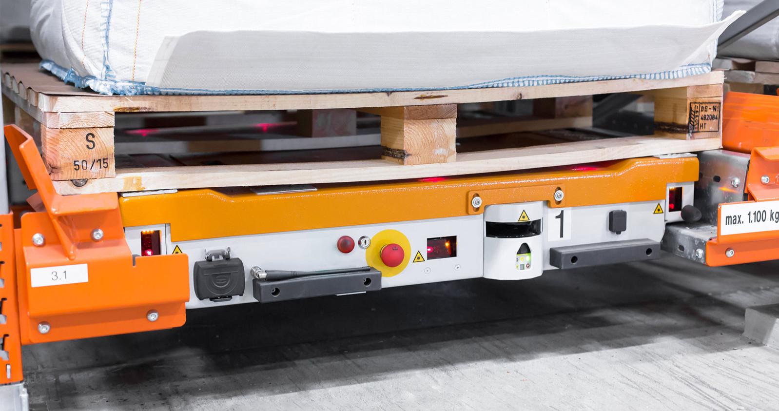 Pallet shuttle racks – components - pallet centring