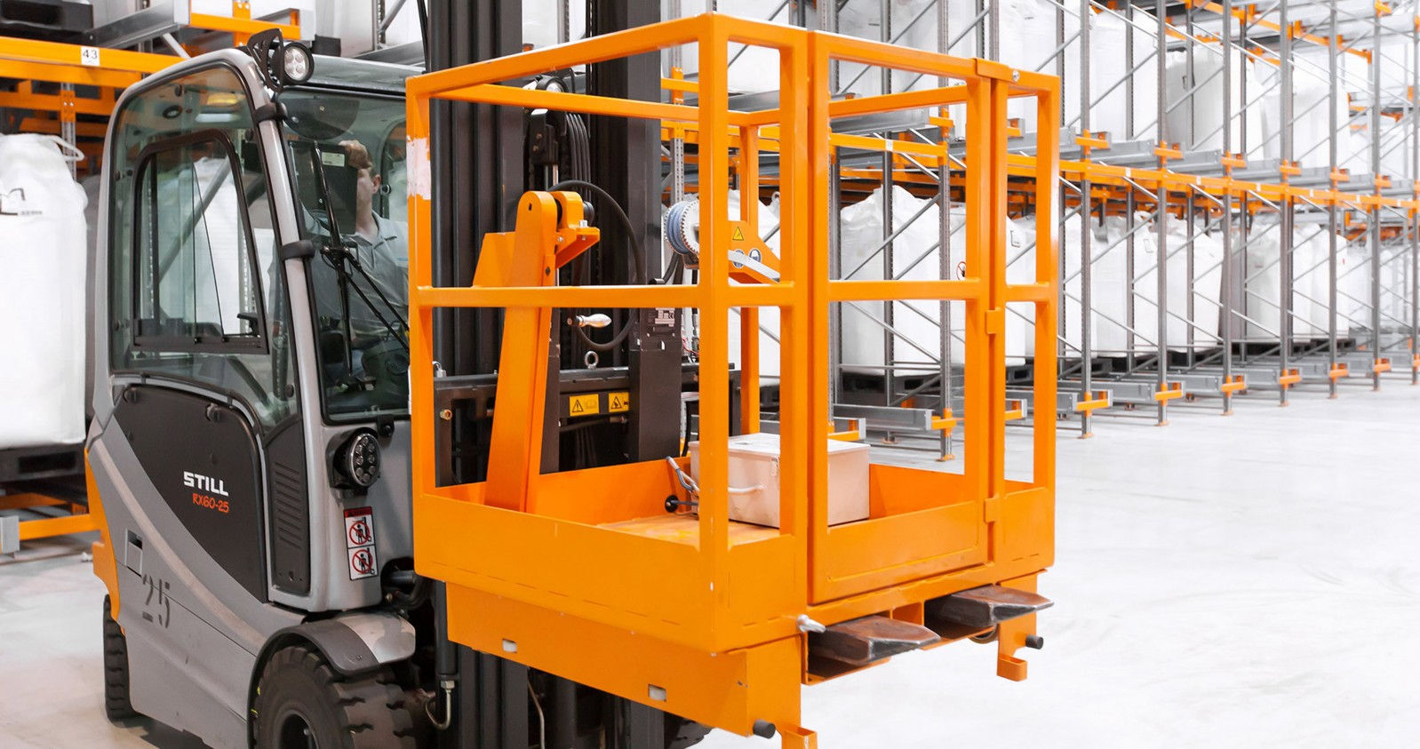 Pallet shuttle racks – components - recovery platform