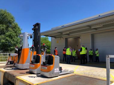 STILL entrega 5 carretillas eléctricas para reforzar la intralogística del Banco de Alimentos de Madrid durante la emergencia alimentaria