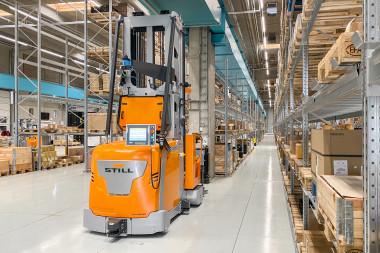 STILL revoluciona la logística de nuevo con sus vehículos guiados automatizados (AGV)