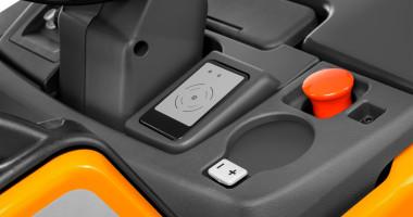 Transpalette électrique à conducteur porté EXH-S 20/25 - diverses possibilités d'accès et amortissement de la plate-forme réglable